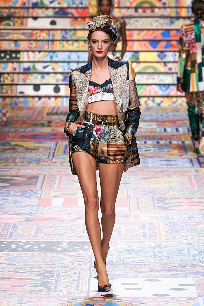 Неделя моды в Милане: Dolce & Gabbana выпустили коллекцию из остатков ткани (ФОТО) - фото №2