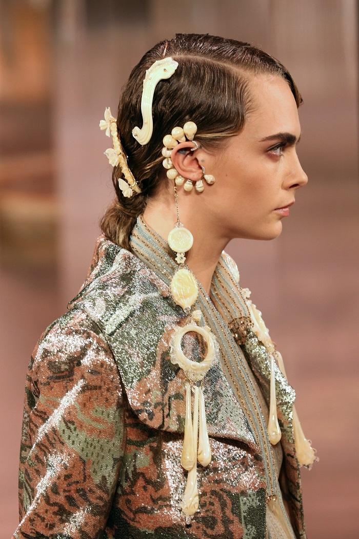 Fendi Couture весна-лето 2021: все, что нужно знать о дебютной коллекции Кима Джонса - фото №2