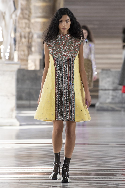 Louis Vuitton провели показ в Лувре: смотрите, как это было (ФОТО) - фото №4