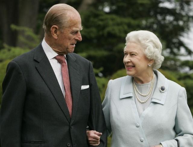 Умер муж Елизаветы II принц Филипп... - фото №1