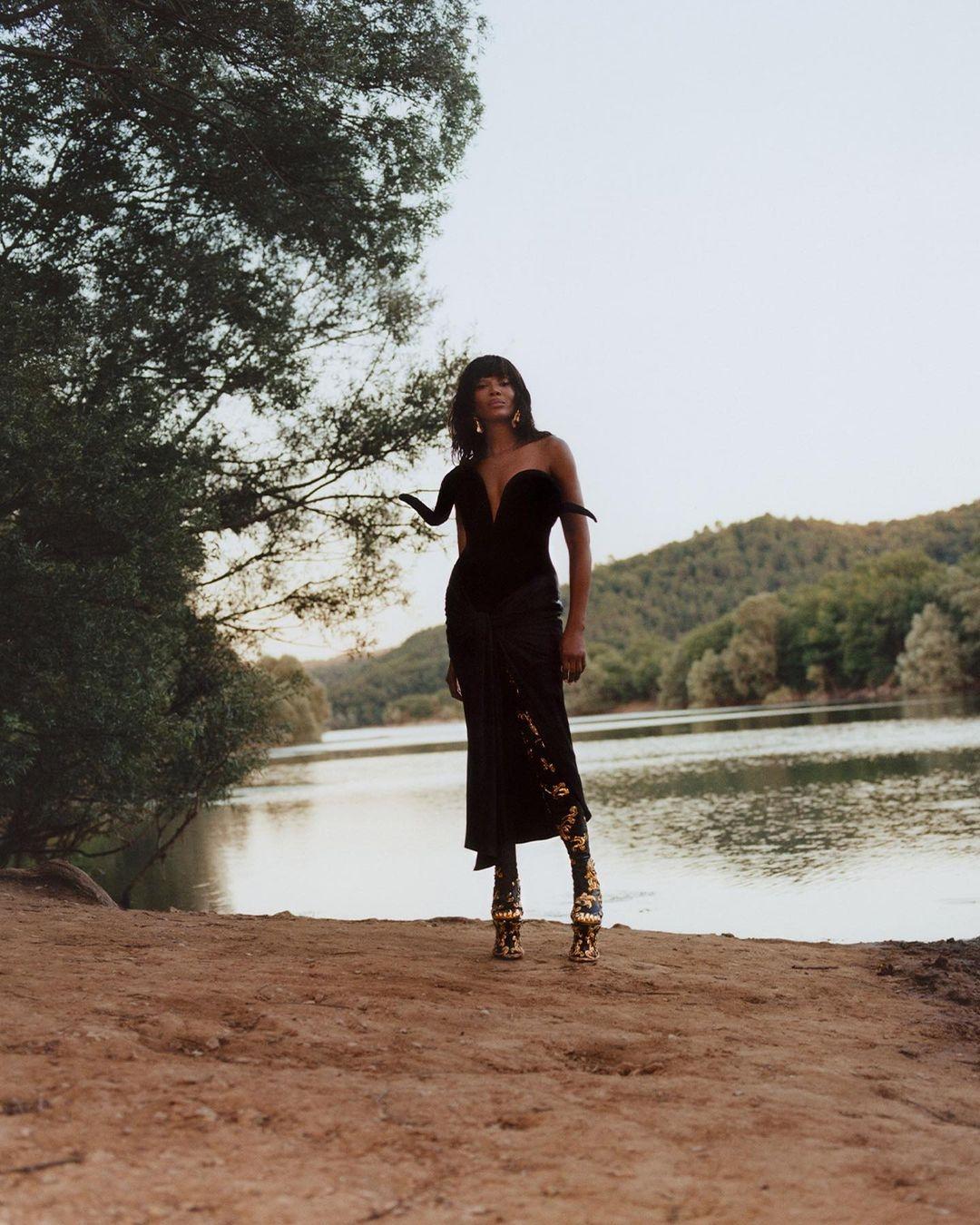 """""""У меня нет времени на горечь"""": Наоми Кэмпбелл приняла участие в эффектной фотосессии для глянца (ФОТО) - фото №3"""