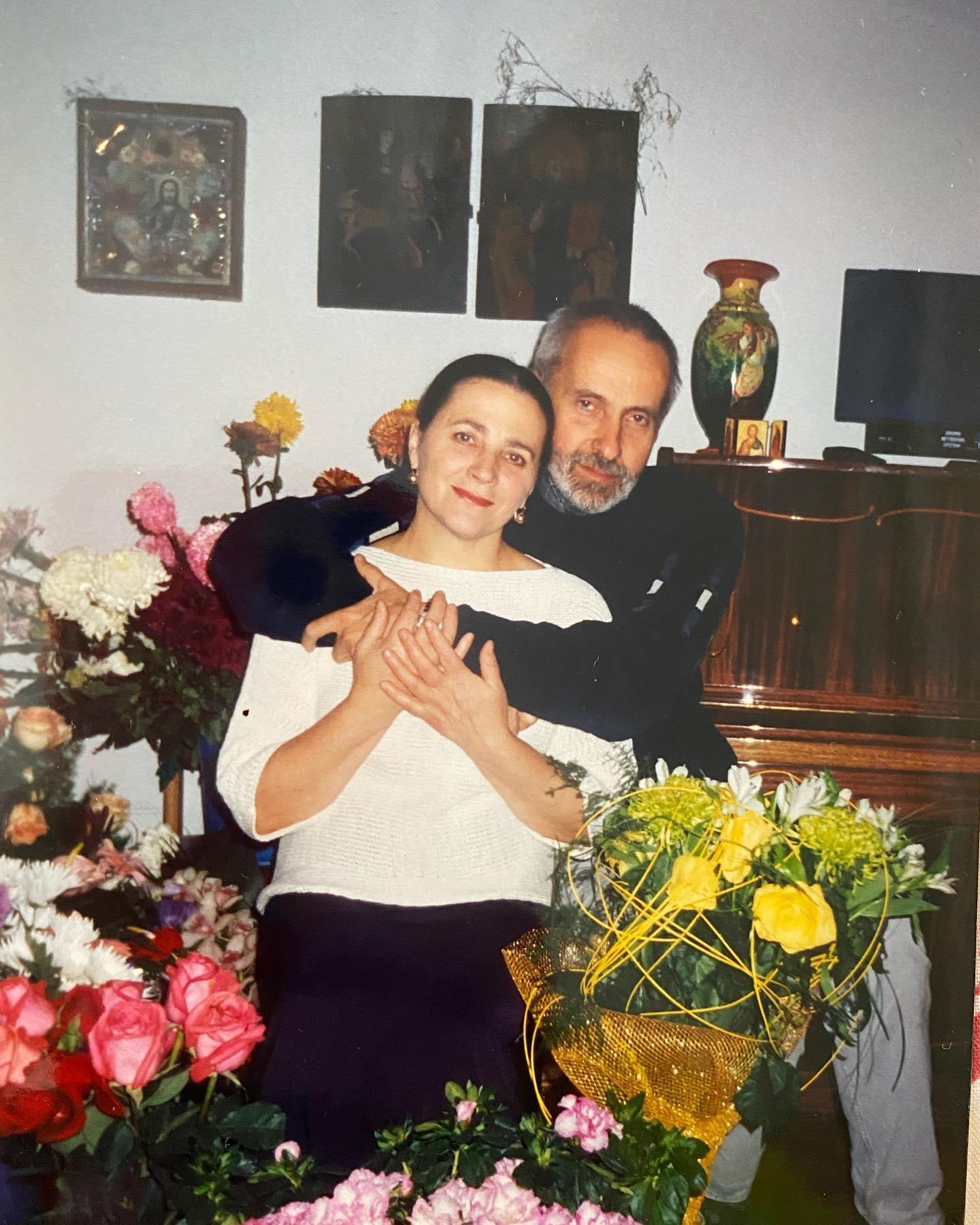 Тоня Матвиенко трогательно поздравила родителей с золотой свадьбой (ФОТО) - фото №1
