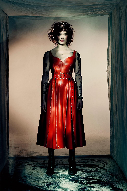 Кровавая мода: Alexander McQueen представили новую коллекцию (ФОТО) - фото №5