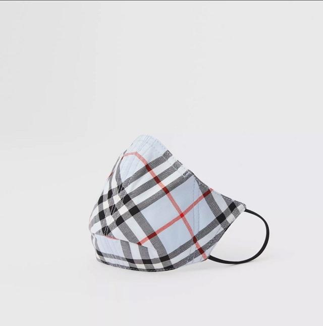 Burberry представили противомикробные маски. Сколько стоит модная защита? (ФОТО) - фото №2