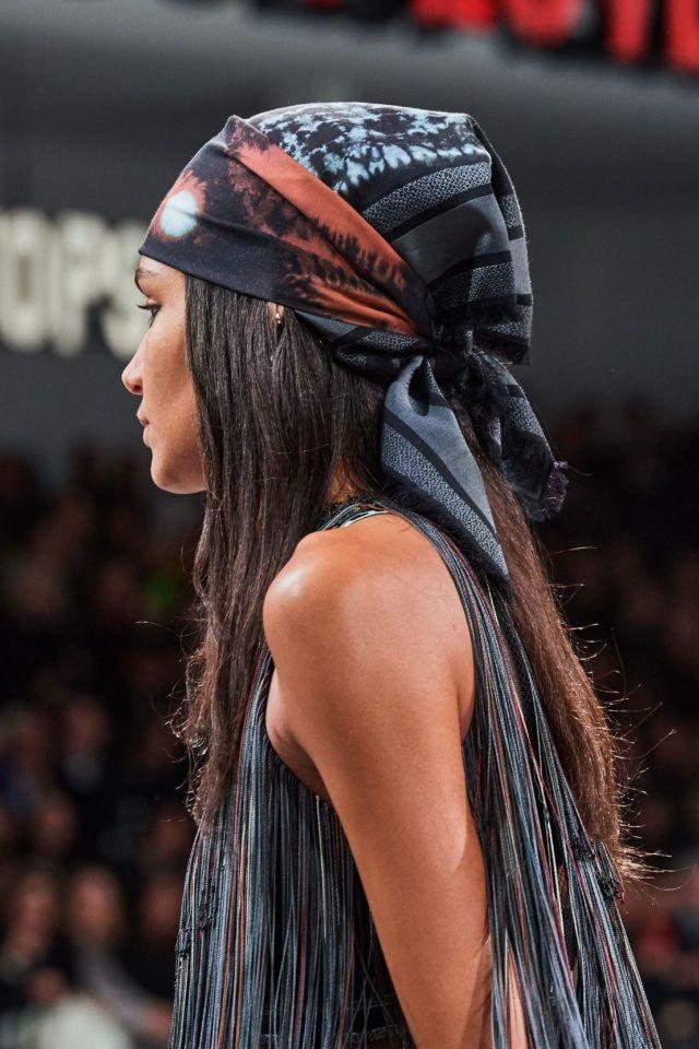 Как носить бандану на голове: ТОП-5 модных идей - фото №2
