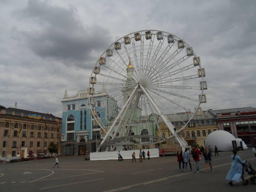 Суд признал противоправным запрет движения на Контрактовой площади и улице Сагайдачного - фото №1