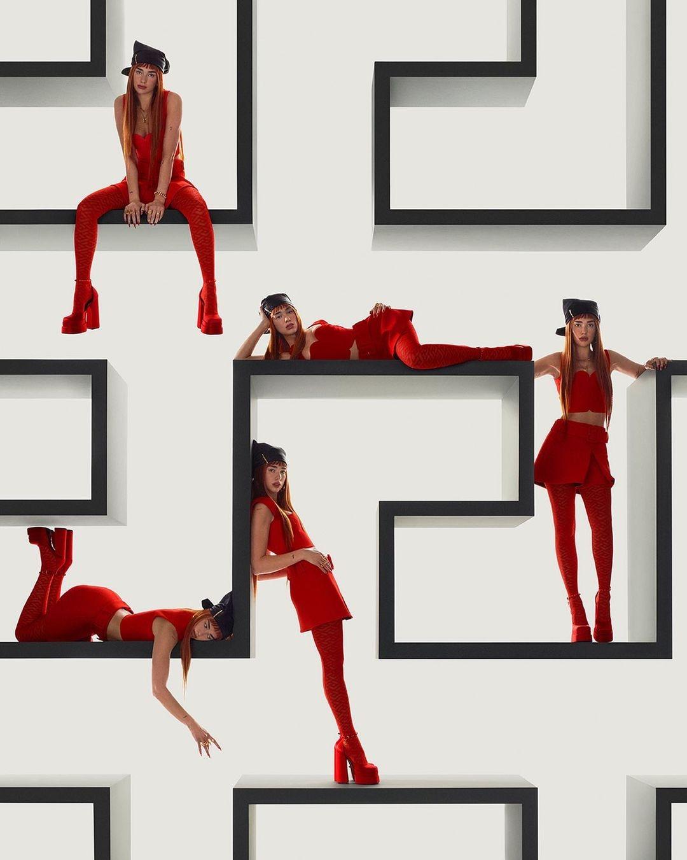 Рыжая бестия: Дуа Липа снялась в рекламной кампании Versace (ФОТО) - фото №4