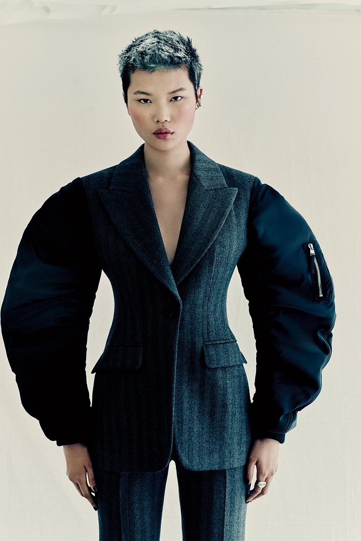 Кровавая мода: Alexander McQueen представили новую коллекцию (ФОТО) - фото №7