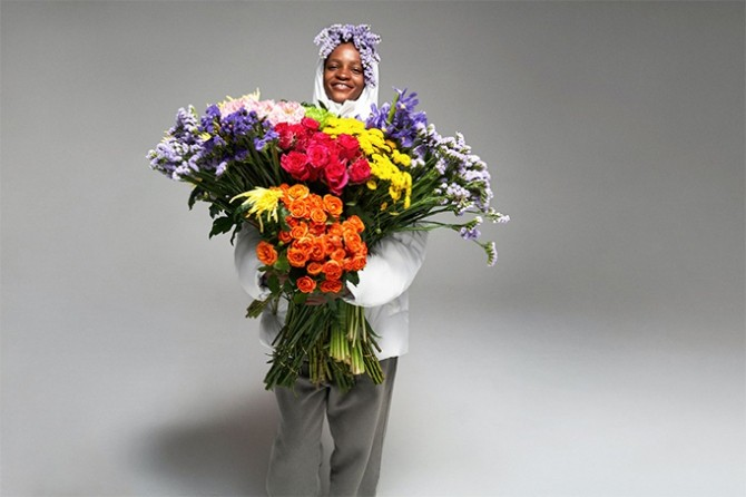 Pangaia выпустил пуховики из цветов