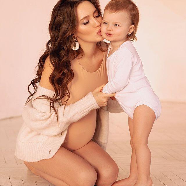 Беременная Анастасия Костенко сообщила пол будущего ребенка - фото №1