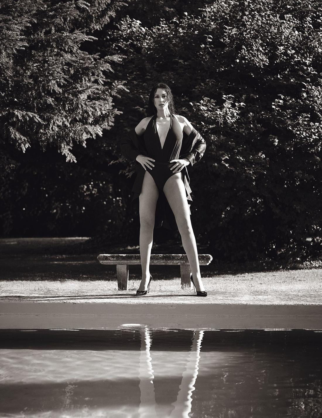 Вечно молодая: Моника Беллуччи покорила Сеть новой съемкой для глянца (ФОТО) - фото №4