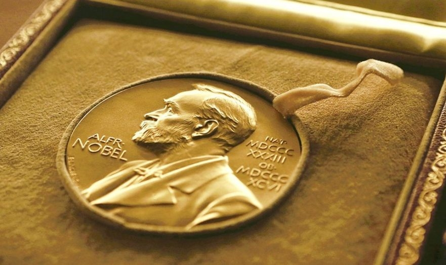 """""""За безошибочный поэтический голос"""": Нобелевскую премию по литературе присудили американке Луизе Глюк - фото №2"""