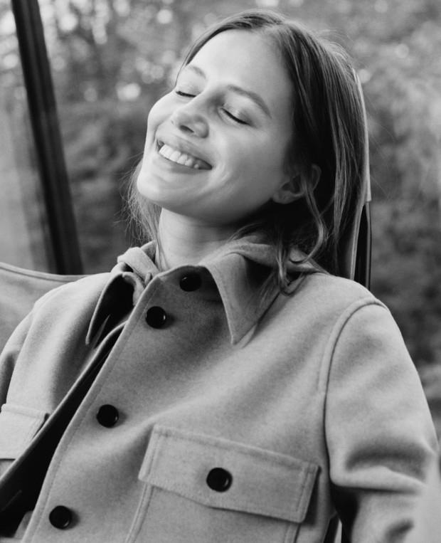 Бывшая девушка Брэда Питта,Николь Потуральски, снялась в рекламеBoss (ФОТО) - фото №1
