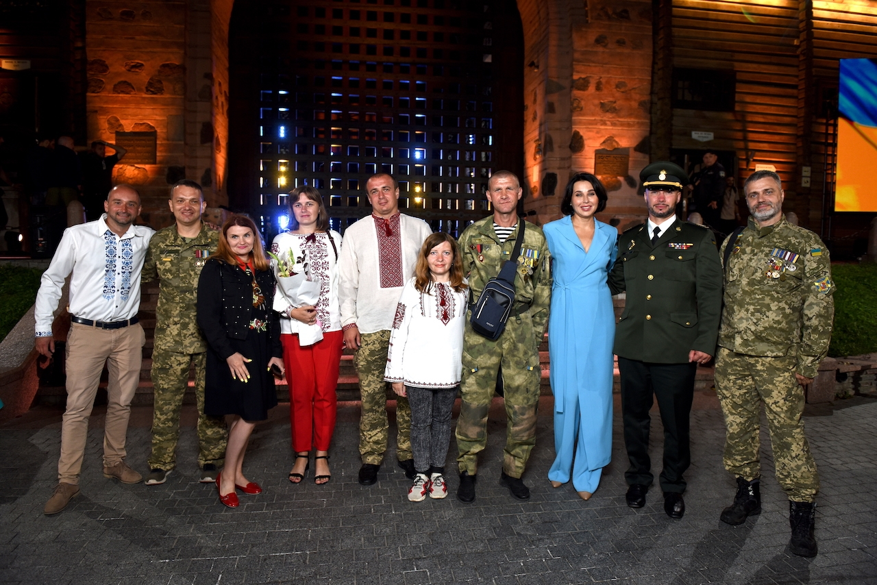 Наталья Мосейчук расплакалась в прямом эфире ТСН: мама услышала сердце своего погибшего сына, которое она отдала ради спасения жизни украинского героя - фото №2