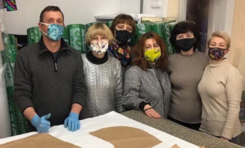 Fashion-помощь: Vorozhbyt&Zemskova собираются отшить 4000 защитных костюмов для медиков - фото №1