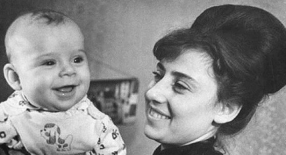 Максим Галкин мама