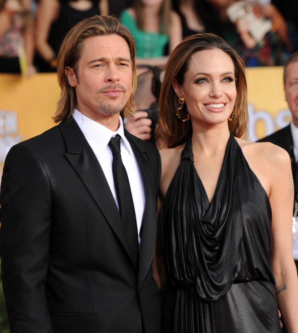 Была полностью сломленной: Анджелина Джоли призналась, что развод с Брэдом Питтом сильно ранил ее - фото №2