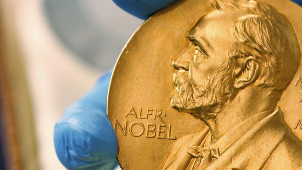 Названы лауреаты Нобелевской премии по химии - фото №2