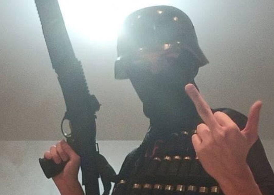 Есть погибшие и раненные: 18-летний парень устроил стрельбу в Пермском государственном - фото №1
