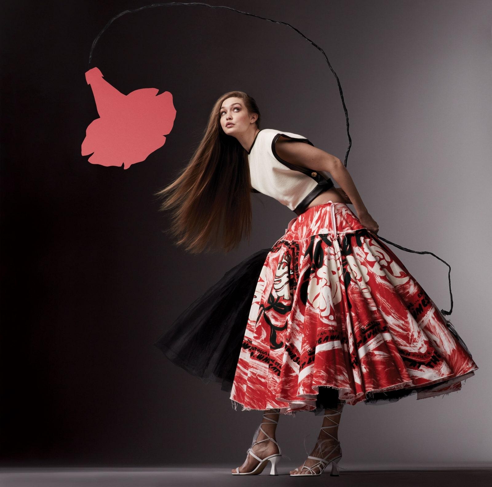 Джиджи Хадид впервые появилась на обложке Vogue после рождения дочери (ФОТО) - фото №2