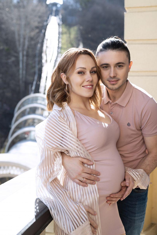 ALYOSHA и Тарас Тополя рассекретили пол будущего ребенка - фото №4