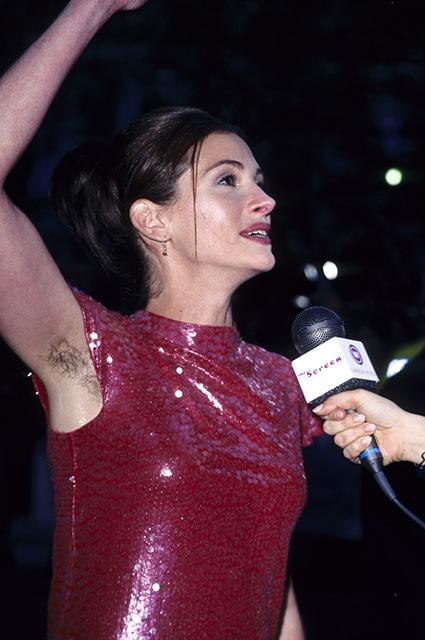 Звезды, отказашиеся от эпиляции: Мадонна, Джулия Робертс, Майли Сайрус и другие - фото №3