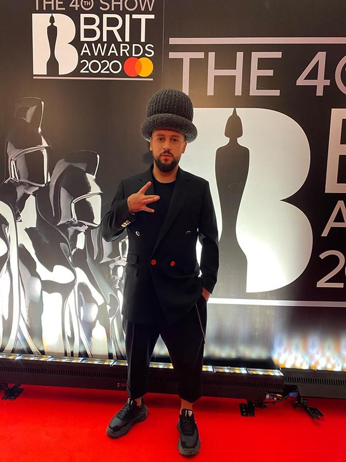 Там был MONATIK: обзор лучших образов с красной дорожки Brit Awards (ФОТО) - фото №12