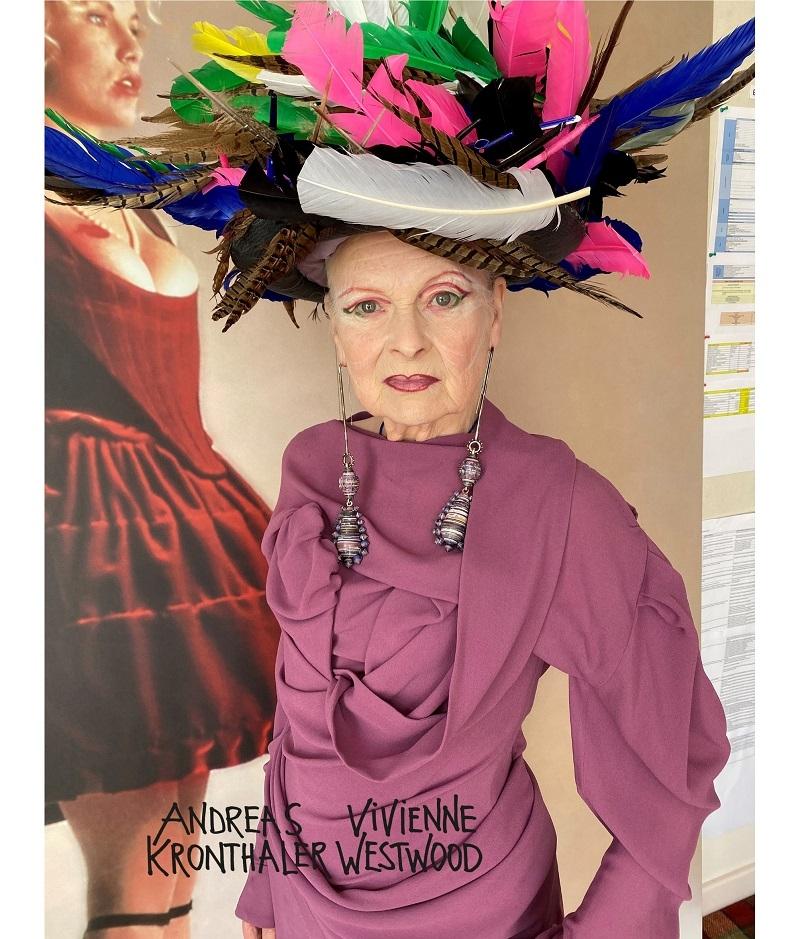 Королева эпатажа: 79-летняя Вивьен Вествуд снялась рекламе для новой коллекции своего бренда (ФОТО) - фото №3
