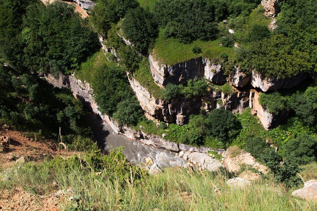 Грязевые вулканы, Симский водопад и уникальные заповедники: что посмотреть в Азербайджане осенью - фото №5