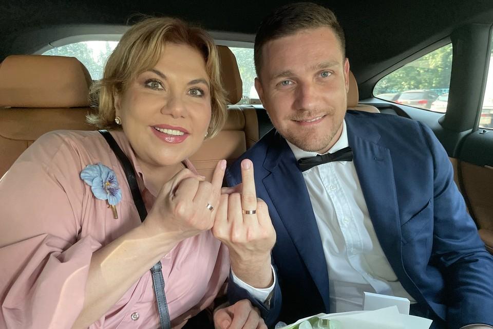 Итальянский муж Марины Федункив рассказал об отношении его мамы к 49-летней невестке - фото №1