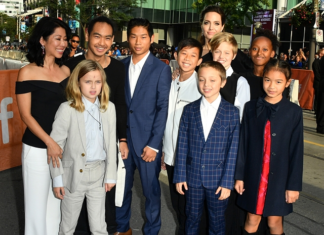 Анджелина Джоли одержала победу в суде над Брэдом Питтом - фото №2