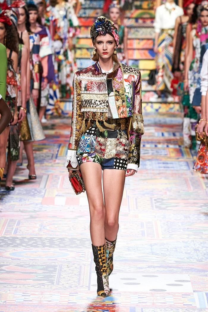 Неделя моды в Милане: Dolce & Gabbana выпустили коллекцию из остатков ткани (ФОТО) - фото №7