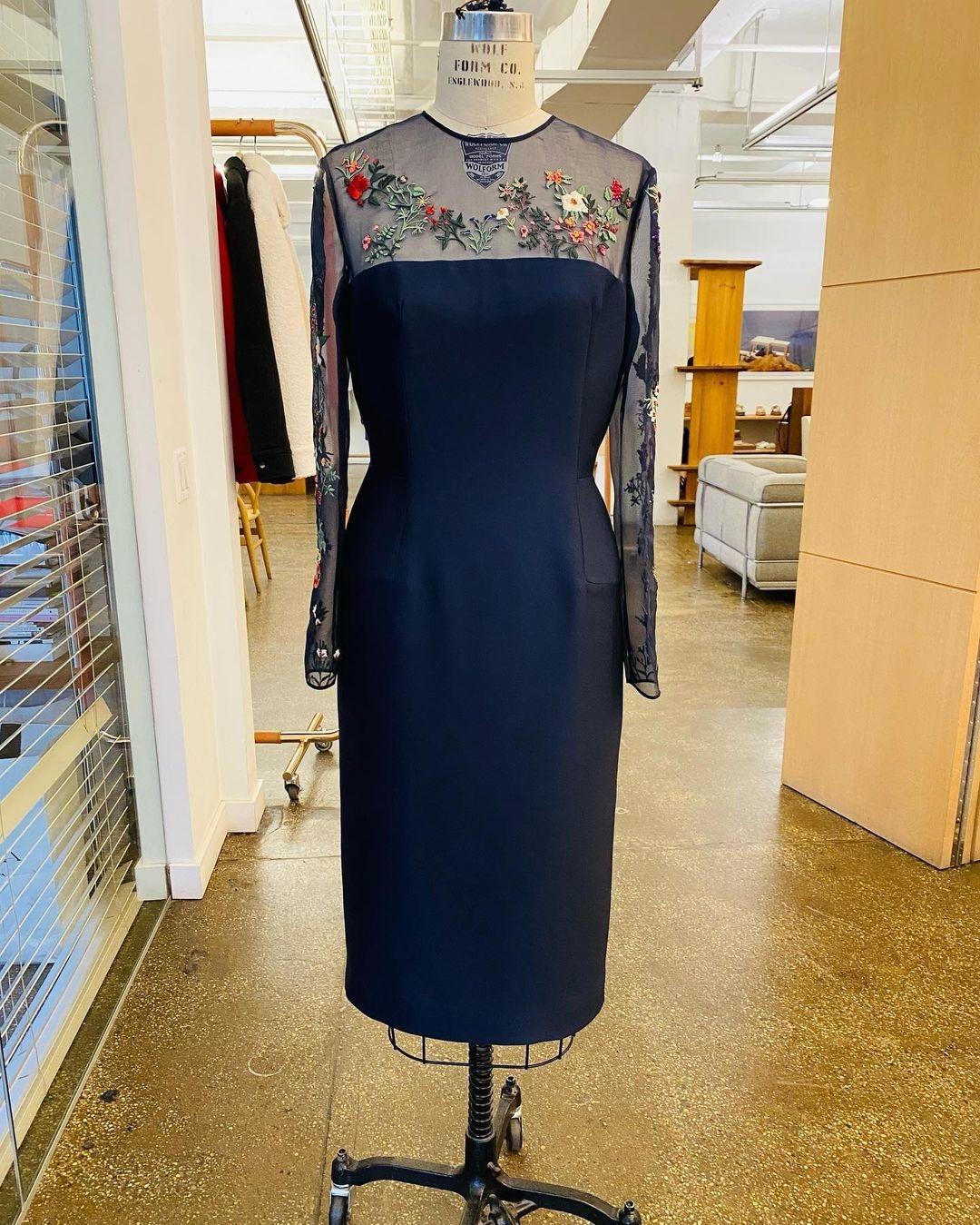Джилл Байден вышла в свет в элегантном платье с прозрачными вставками (ФОТО) - фото №3