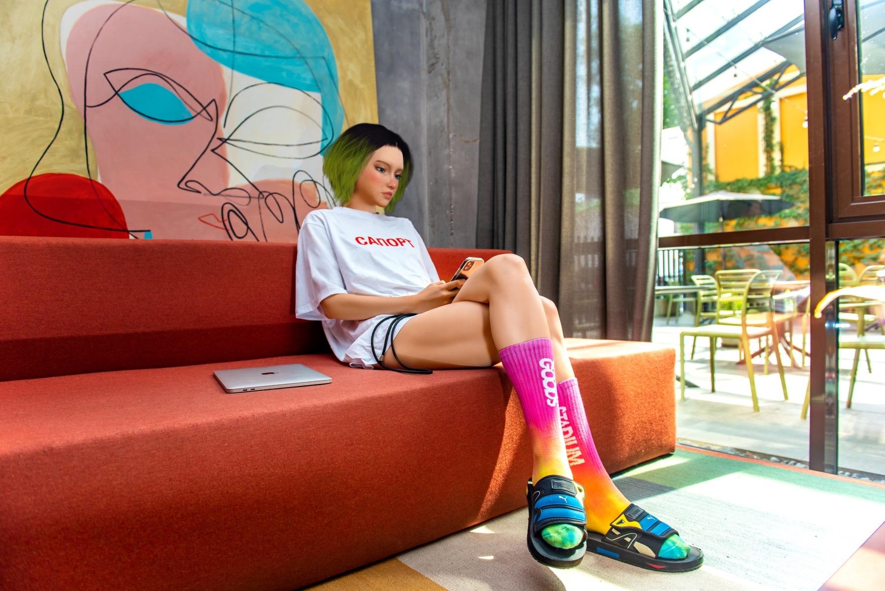 В Украине создали первую цифровую fashion-инфлюенсерку в Instagram: ее зовут Астра Стар (ФОТО) - фото №1