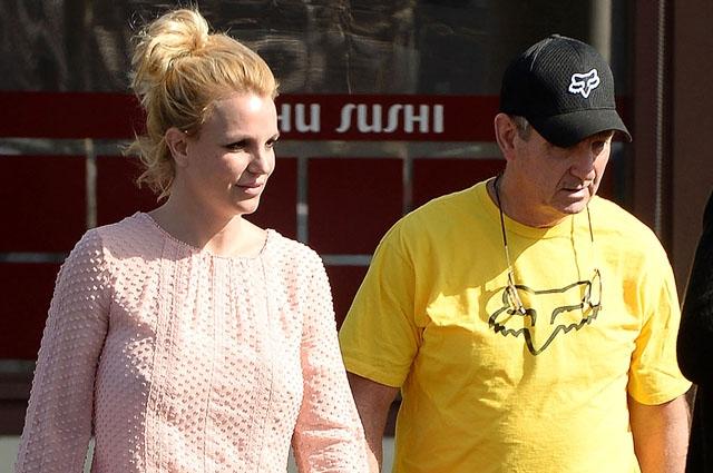 Бритни Спирс больше никогда не выйдет на сцену, если ее опекуном останется отец - фото №2