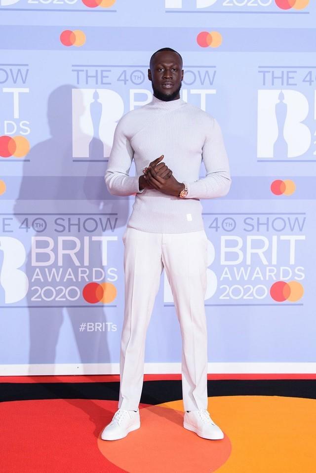 Там был MONATIK: обзор лучших образов с красной дорожки Brit Awards (ФОТО) - фото №6