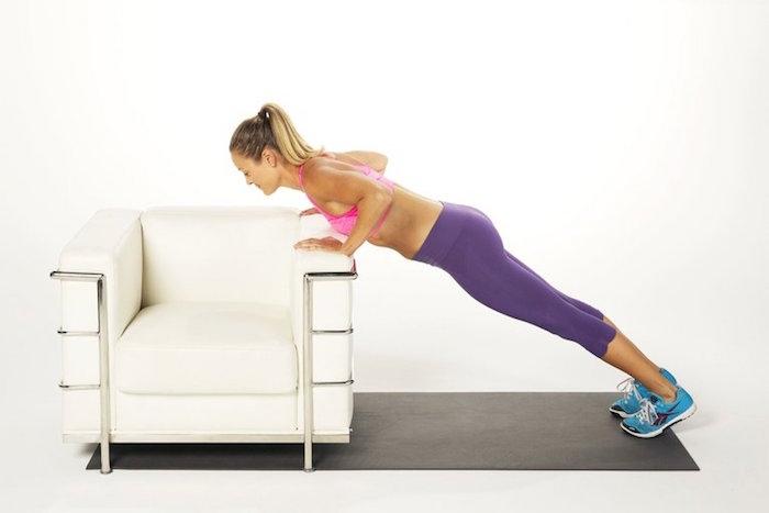 Фитнес дома: ТОП-10 простых упражнений для занятий на диване - фото №5