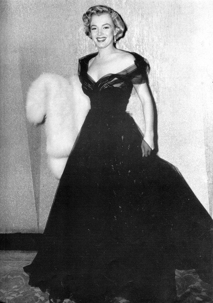 Годовщина смерти Мэрилин Монро: самые эффектные образы знаменитой актрисы (ФОТО) - фото №2