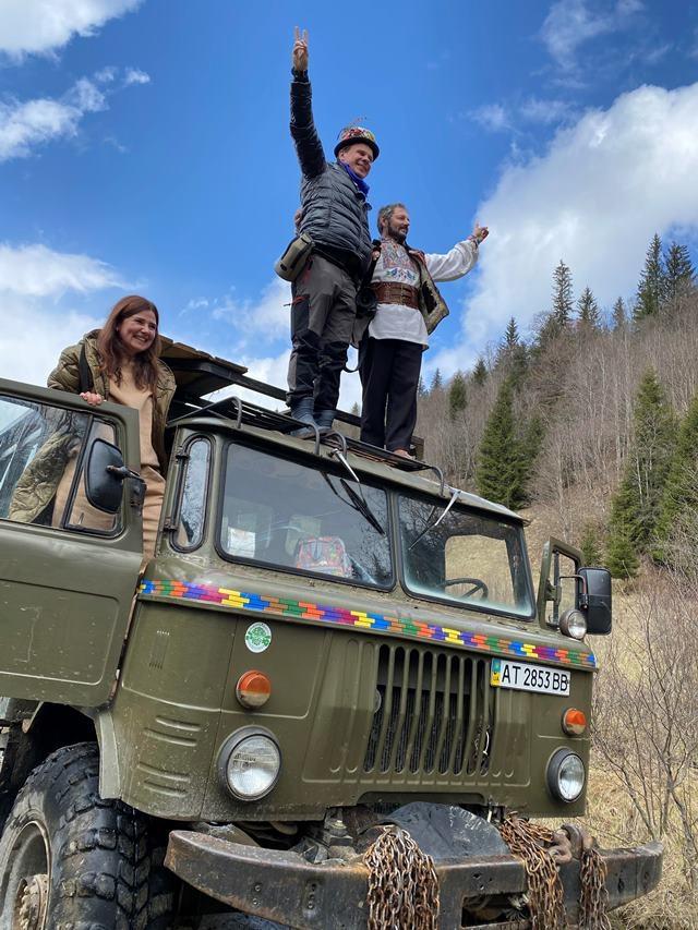 3 счастливых дня было у меня с ... Дмитрием Комаровым: репортаж с самой экстремальной экскурсии по Карпатам - фото №3