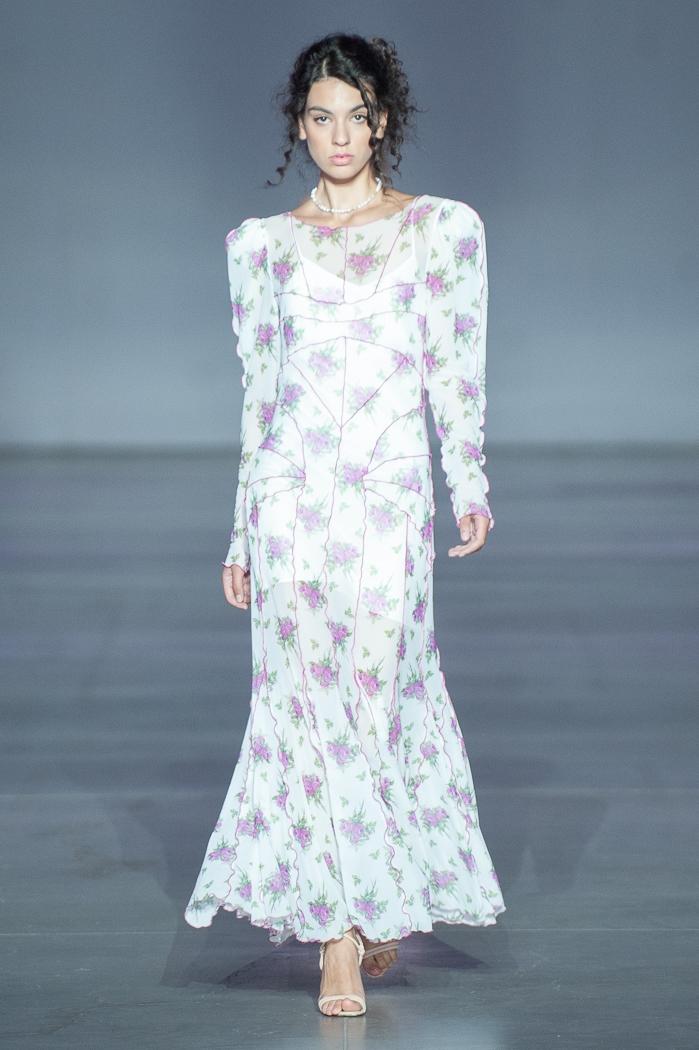 Меньше ткани, больше тела: как прошел второй день Ukrainian Fashion Week noseason sept 2021 - фото №10