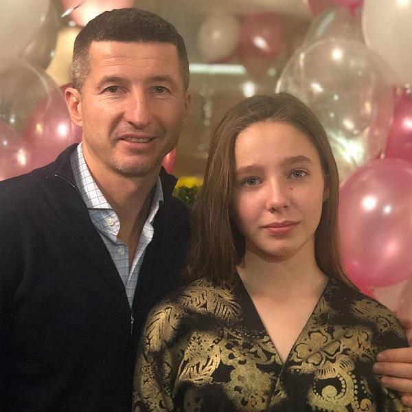 Дочь покойной Юлии Началовой Вера восхитила публику своим вокалом - фото №1