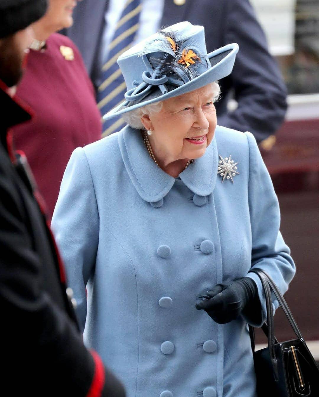 королева елизавета фото