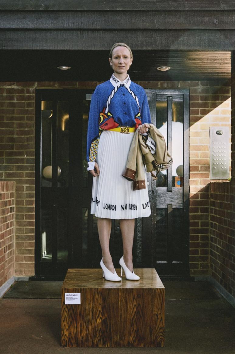 Как работники бренда стали моделями? Смотрите обзор новой круизной коллекции Burberry (ФОТО) - фото №4
