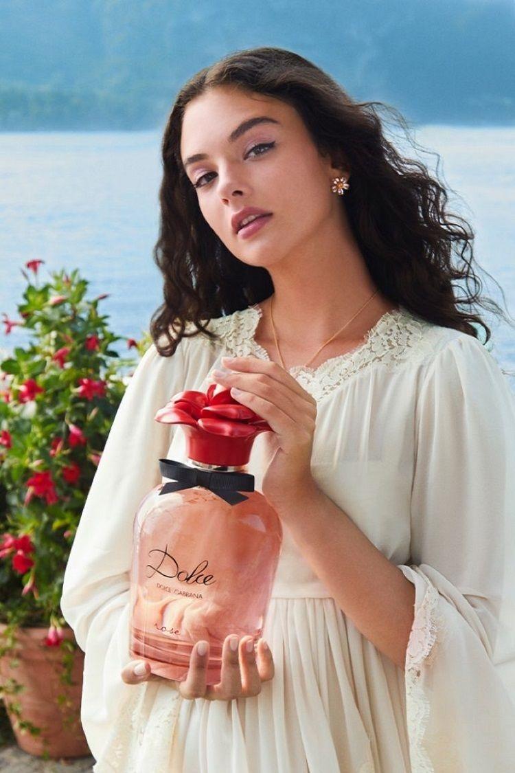 Вся в маму: дочь Моники Беллуччи снялась в новой рекламе аромата Dolce Gabbana (ВИДЕО) 0 - фото №2