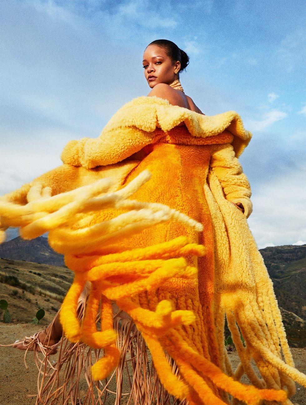 Рианна украсила сразу 26 обложек Harper's Bazaar: смотрите горячие фото барбадосской певицы - фото №4