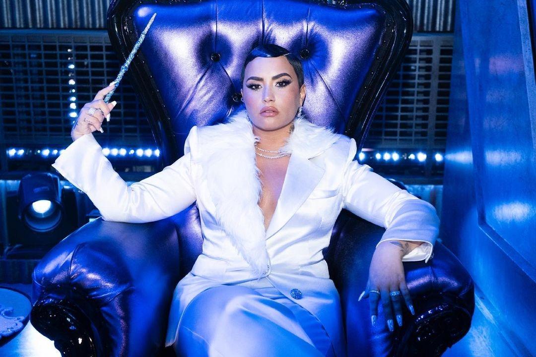 Певица Деми Ловато заявила, что может стать трансгендером - фото №3