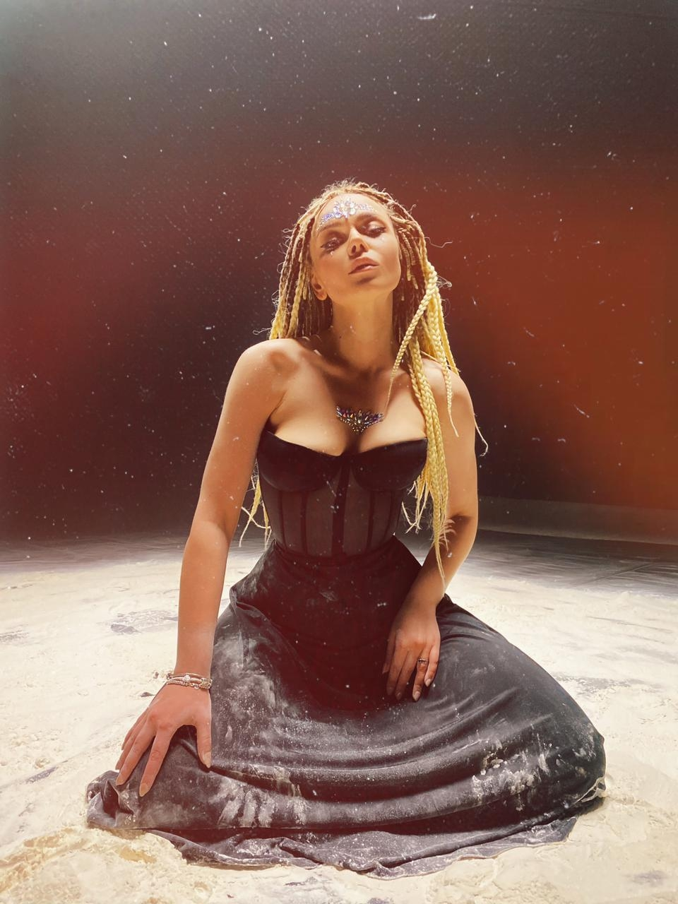 "GROSU представила клип на украиноязычную песню ""МІРІАДА"" (ВИДЕО) - фото №1"