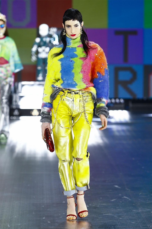 Роботы, поколение Z и киберкультура: Dolce&Gabbana представили новую коллекцию (ФОТО) - фото №1