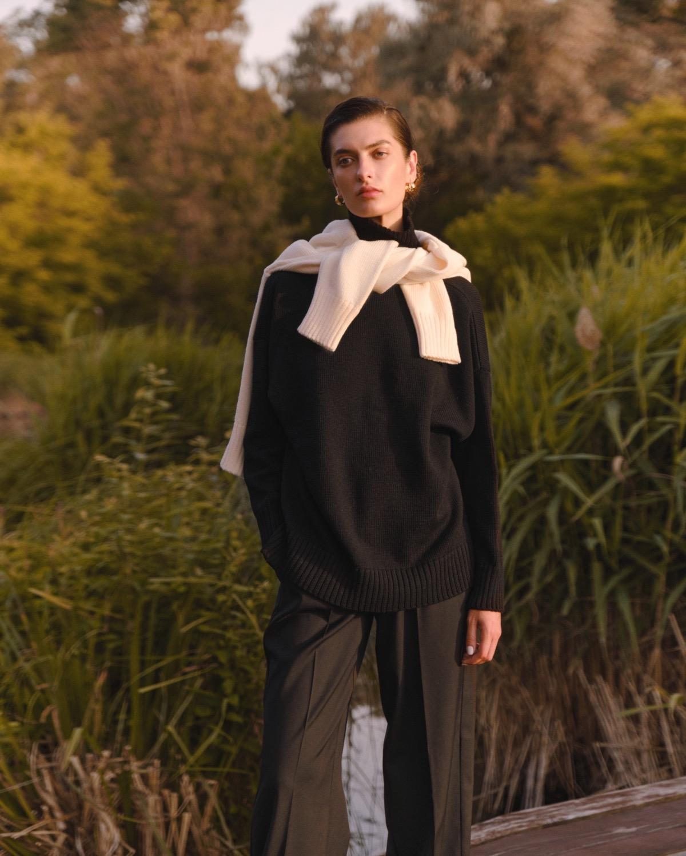 Структурированные пиджаки, трикотажные платья и туники в новой коллекции L.A.B BY TERNOVSKAYA - фото №4