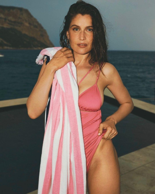 Натуральная красота: Летиция Каста снялась в соблазнительной фотосессии для французского глянца (ФОТО) - фото №3